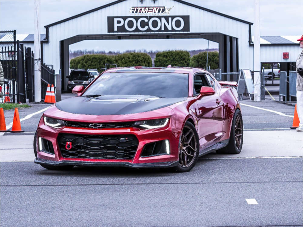 Front shot of a 2017 CHEVROLET CAMARO ZL1 Rohana Rfx11, Michelin Pilot Sport Cup 2 , and Eibach Lowering Springs