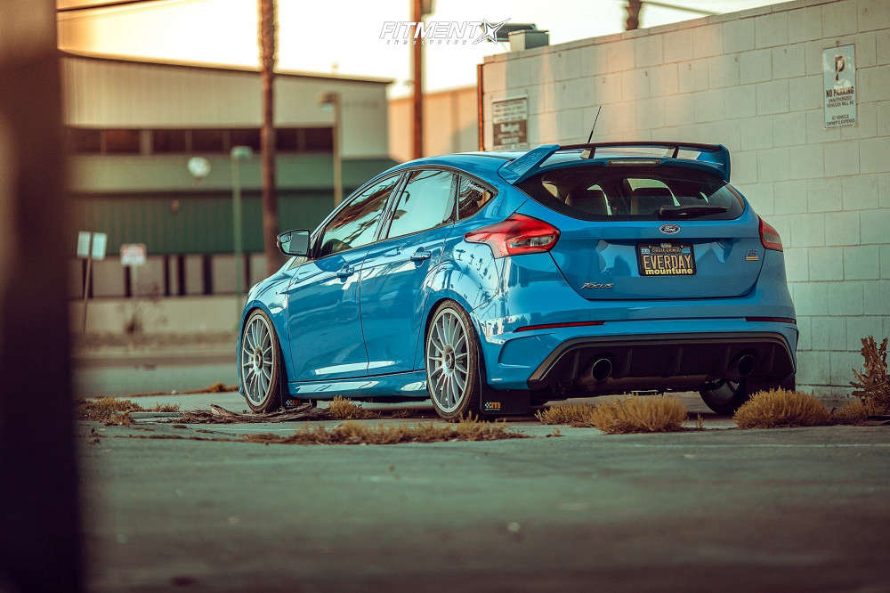 Rear shot of a  2018 Ford Focus RS with Fifteen52 Podium 19x8.5 +45 wheels wrapped in Falken Azenis RS-615K tires