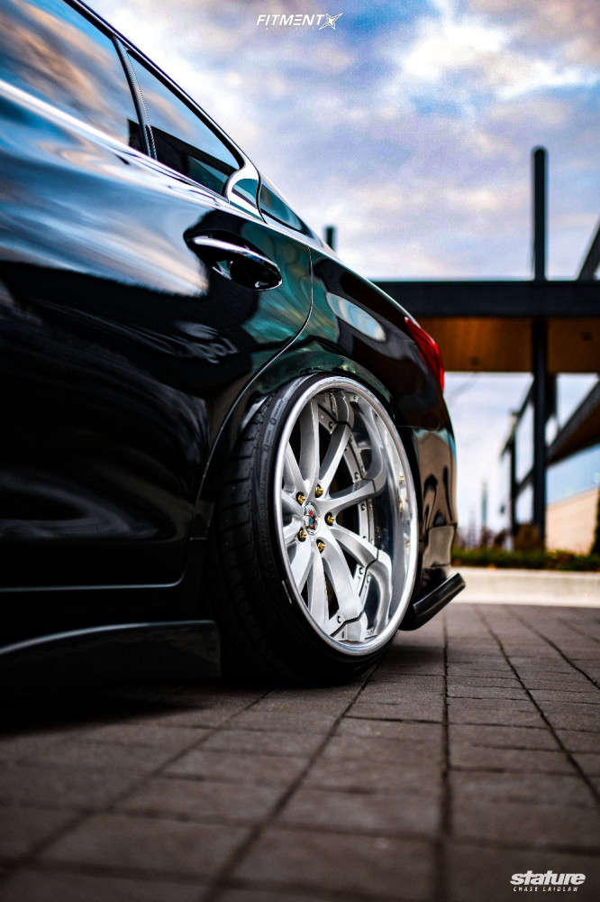 Q50 on Air Suspension and Poke fitment