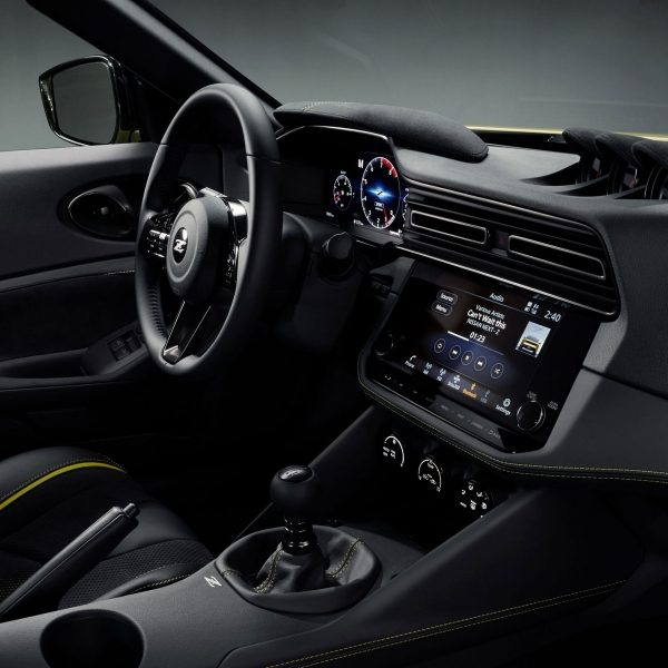 The all-new Nissan 400 Z interior featuring a GT-R Inspired GT-R