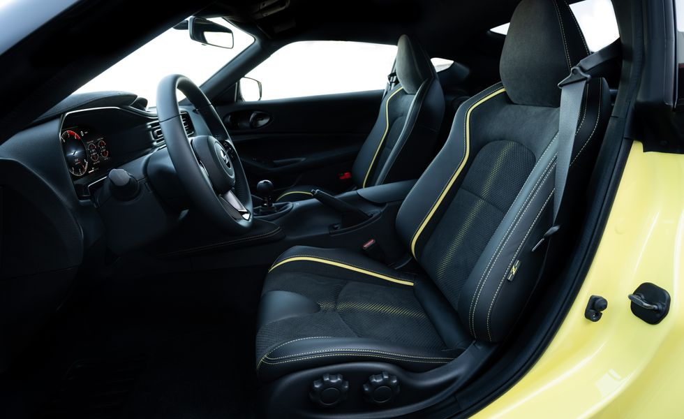 The new performance seats in the all-new Nissan 400 Z!