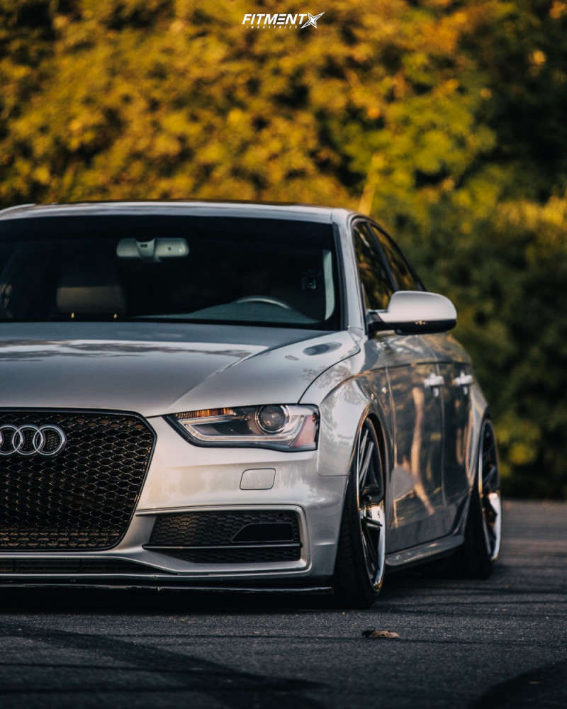 Checking out the fitment on this Silver 2014 Audi A4 Quattro running the Rohana RC9 19x8.5 +30mm with Toyo tires, and air lift suspension