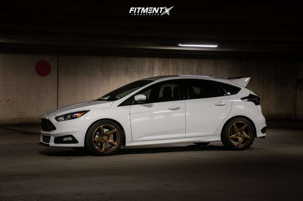2017 FORD FOCUS ST Gallery